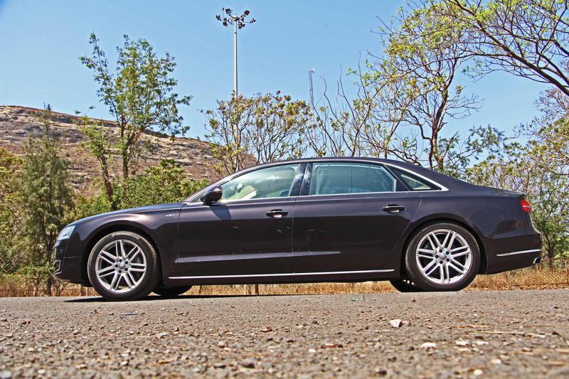 Audi A8 L Photos 18